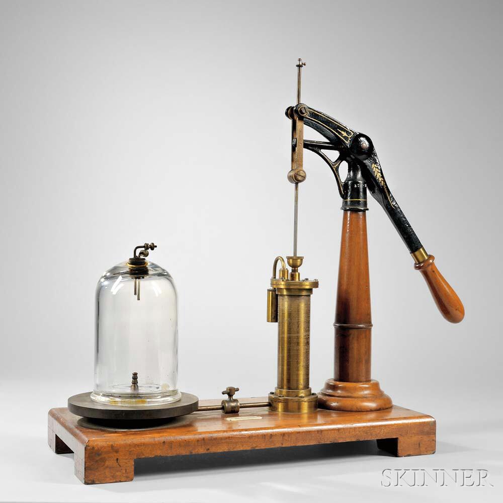 L.E. Knott Apparatus Co. Vacuum Pump
