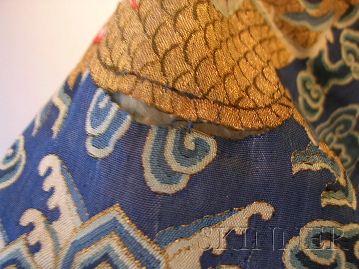 Kesi Dragon Robe