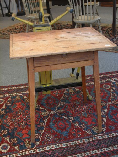 Federal Pine and Maple One-Drawer Table