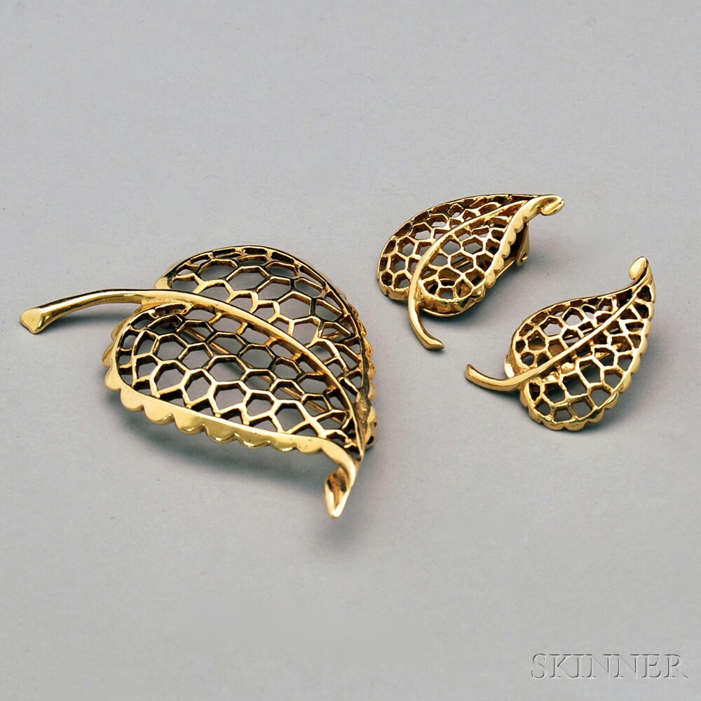 14kt Gold Leaf Brooch and Matching Earclips