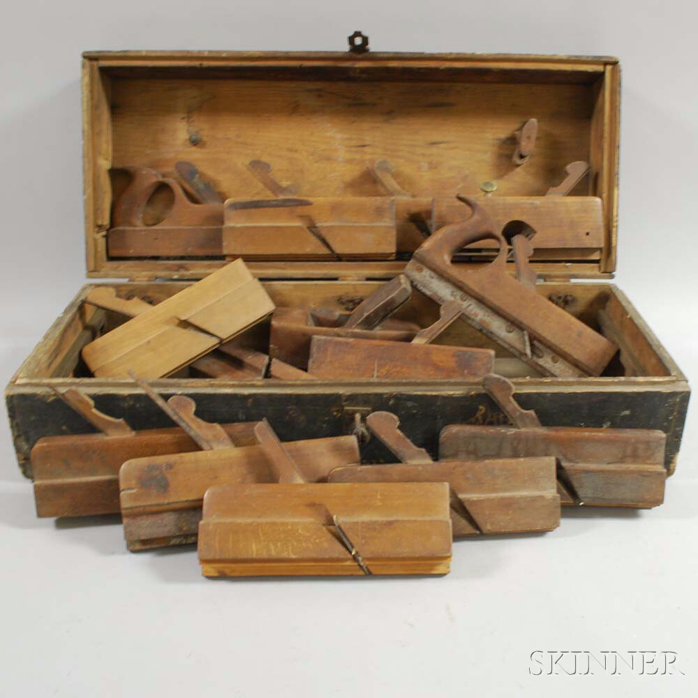 Green-painted Toolbox with Wooden Hand Planes