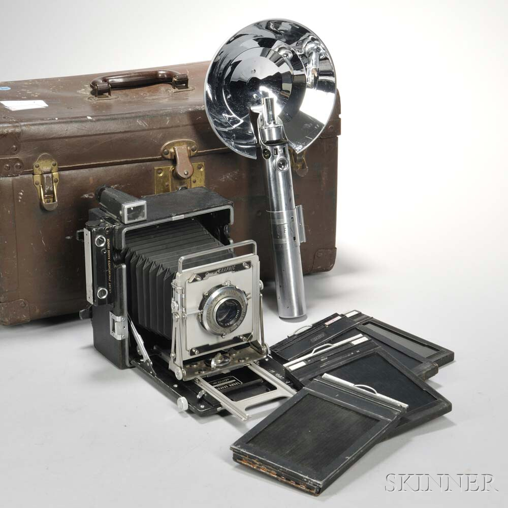 Crown Graphic 4 x 5 Camera and Graflex Flash