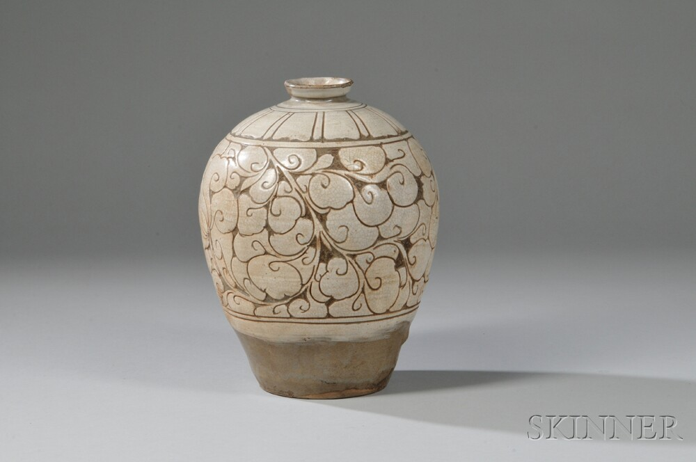 Beige-glazed Pottery Vase