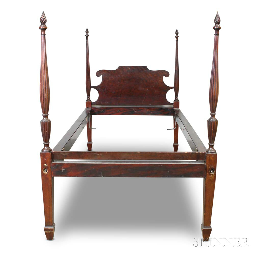 Federal-style Carved Mahogany Twin-sized Bed