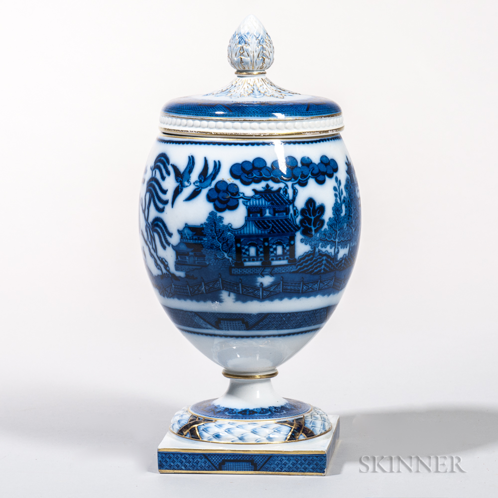 Blue and White Transfer-decorated Covered Urn