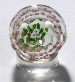 Multifaceted Floral Bouquet and Garland Glass Paperweight