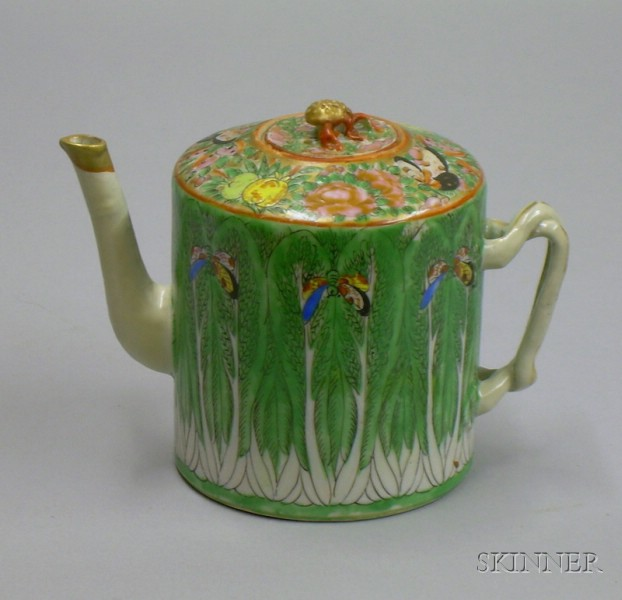 Chinese Export Porcelain Cabbage Pattern Teapot.