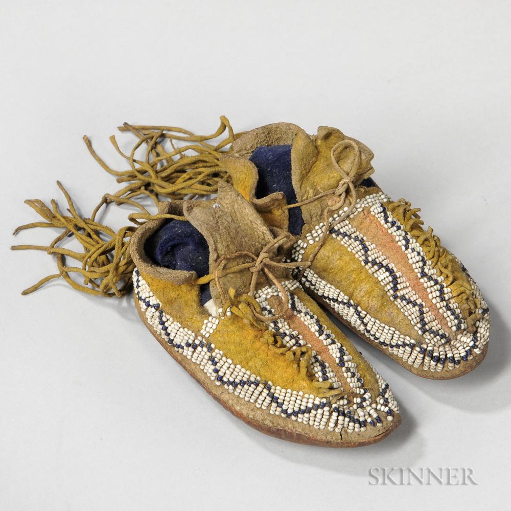 Southern Cheyenne Buffalo Hide Child's Moccasins