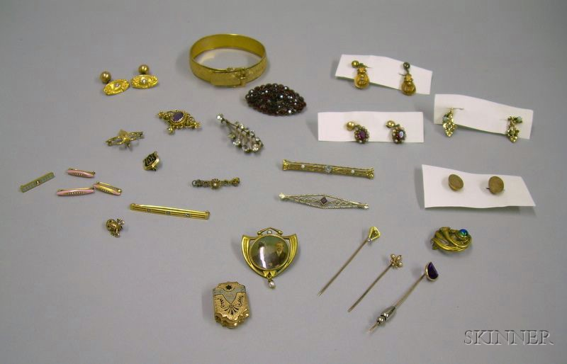 Assorted Victorian and Art Nouveau Gold and Gilt Metal Jewelry