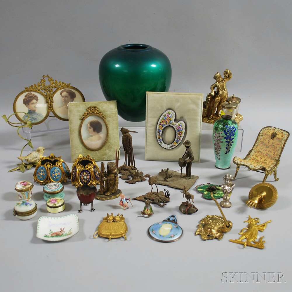 Approximately Thirty Decorative Items