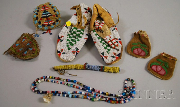 Seven Native American Beaded Items