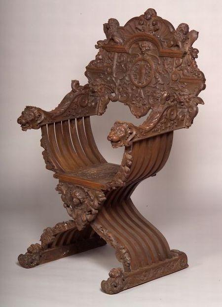 Fine Italian Renaissance Style Carved Walnut Savonarola Chair