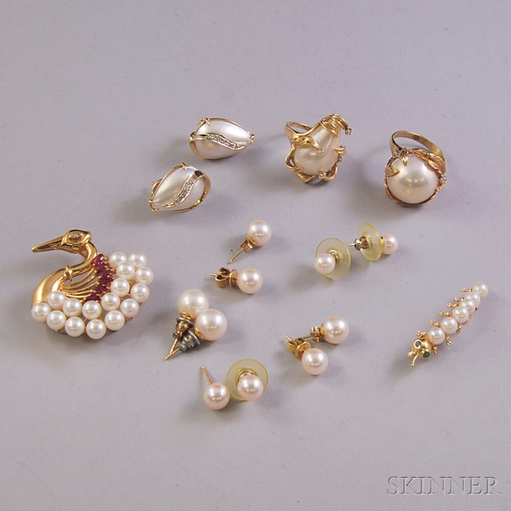 Assorted Group of Pearl Jewelry