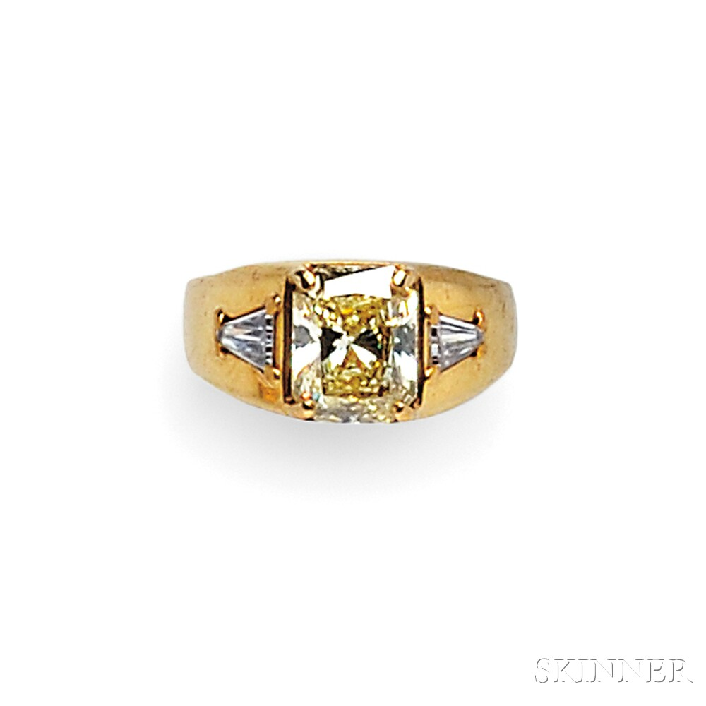 18kt Gold, Colored Diamond, and Diamond Ring