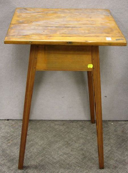 Southern Country Yellow Pine Splay-leg Stand