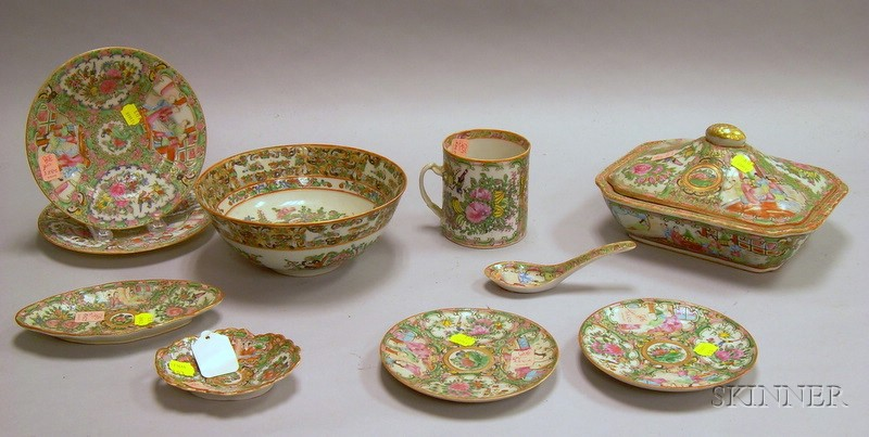 Twelve Pieces of Chinese Export Porcelain Rose Medallion Tableware and Other Items
