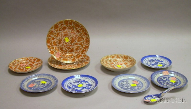 Eleven Pieces of Chinese Export Porcelain