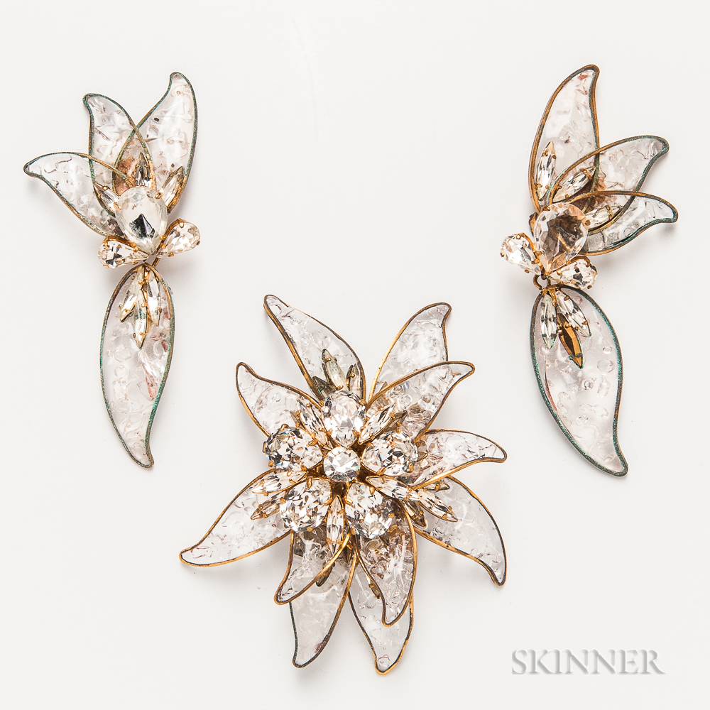 Jacqueline de Ribes Glass Costume Brooch and Earclips