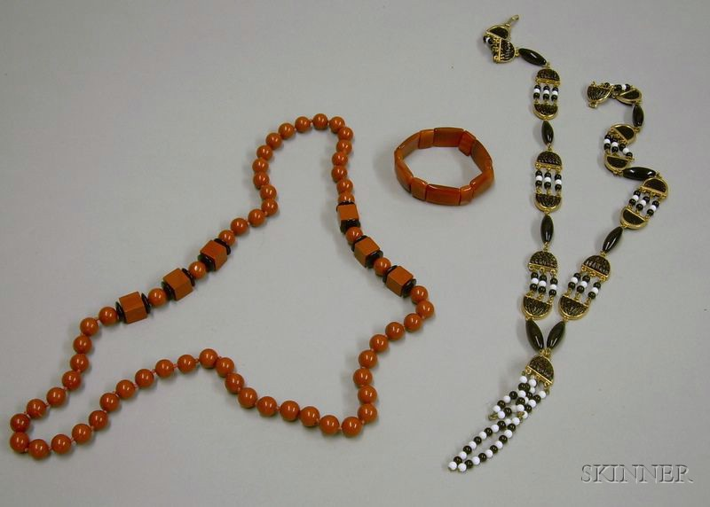 Agate Bracelet, and Onyx and Jasper Beaded Necklace and an Art Deco Glass Bead Necklace.