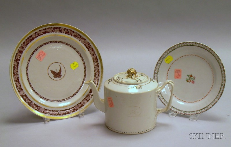 Chinese Export Teapot and Two Plates.