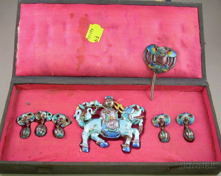 Cased Asian Enamel Ceremonial Jewelry Suite
