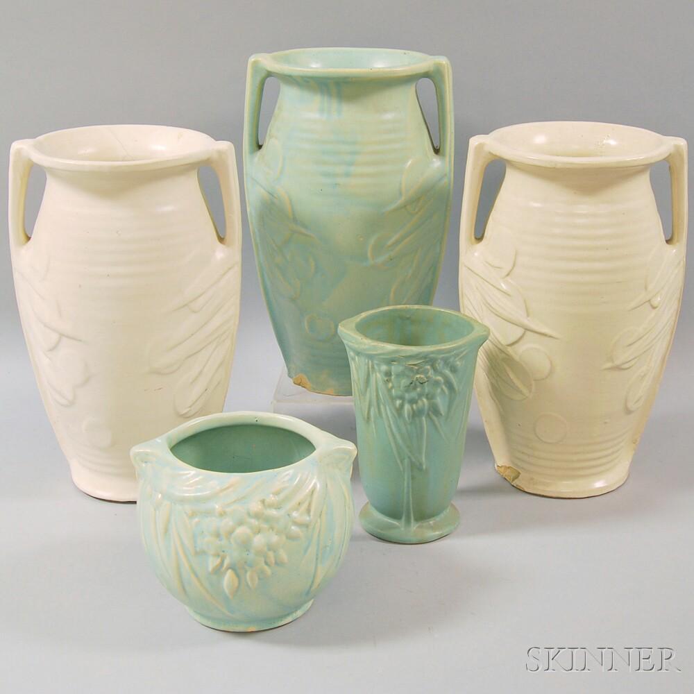 Sixteen Pottery Items
