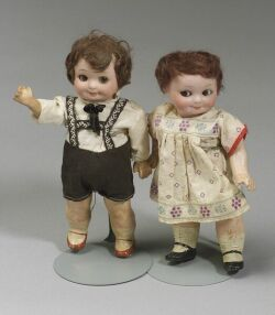 Pair of A.M. 253 Nobbi Kid Googly-Eyed Dolls