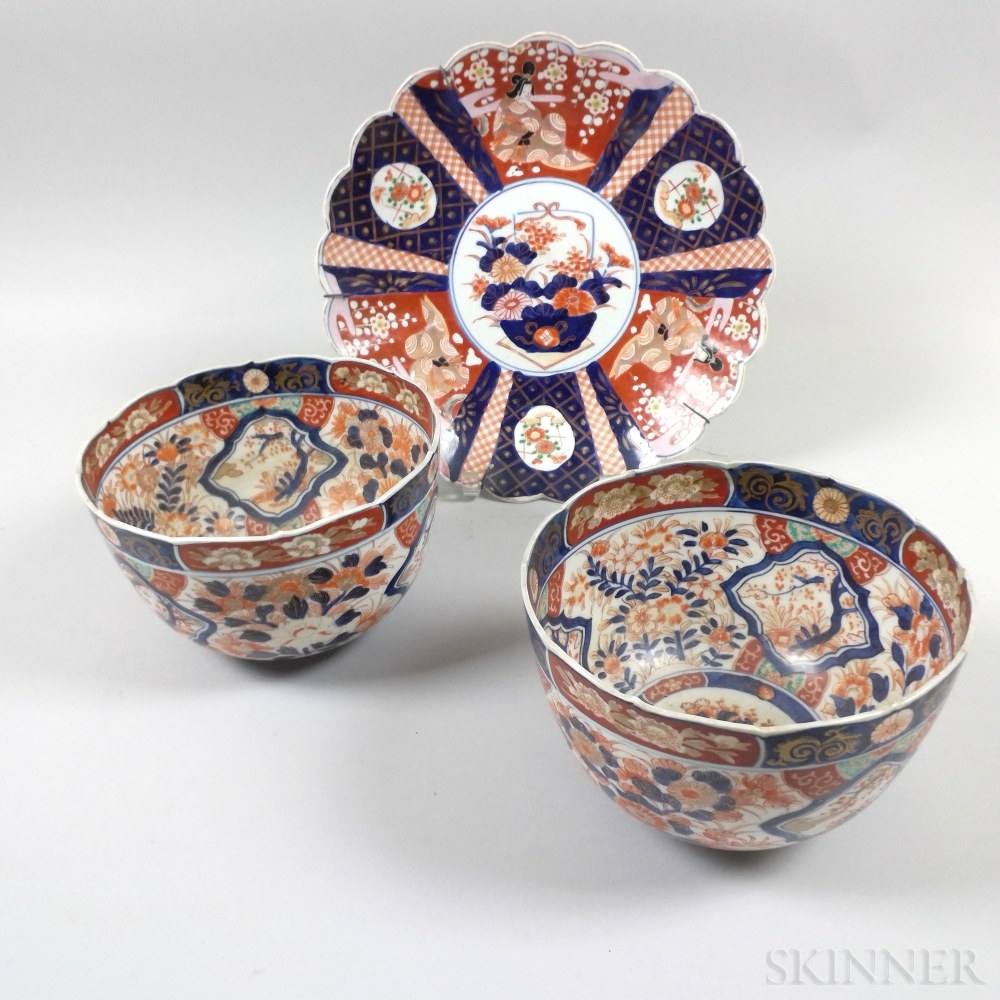 Pair of Imari Porcelain Scalloped Bowls and a Charger