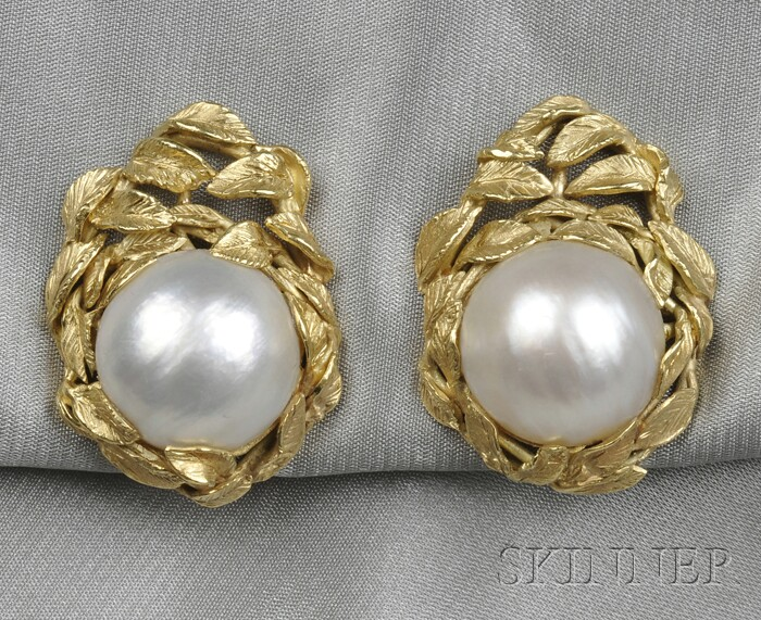 18kt Gold and Mabe Pearl Earclips