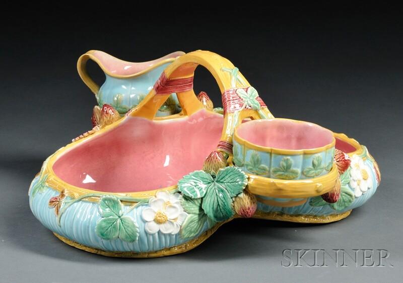 Victoria Pottery Co. Majolica Strawberry Dish