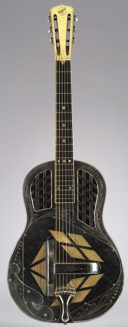 American Resonator Guitar, National String Instrument Company, 1929, Style 3, Tricone, serial number 0932, the nickel silver plated bod