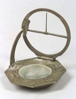 Augsburg-Pattern Equinoctal Compass Sundial