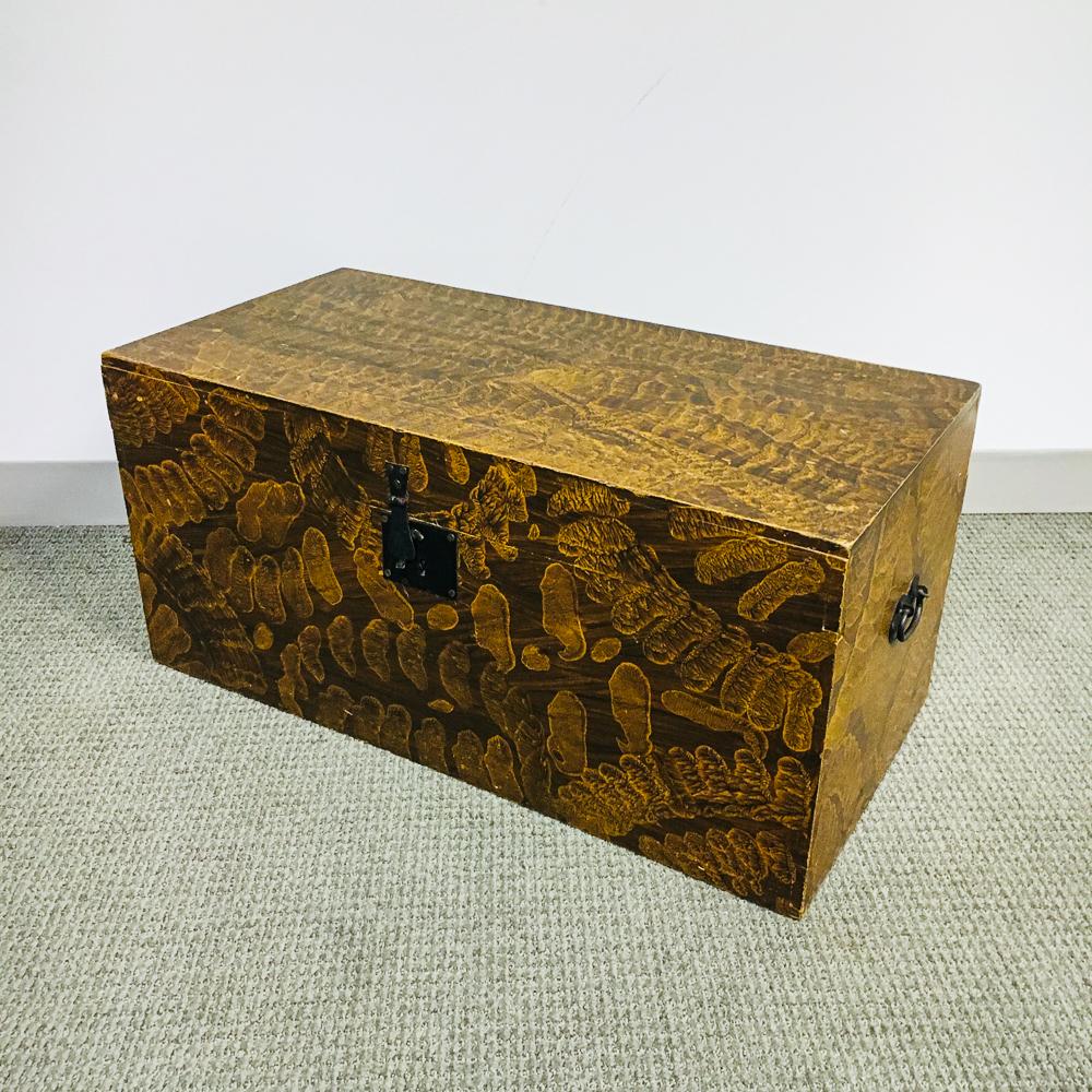 Sponge-painted Pine Blanket Box