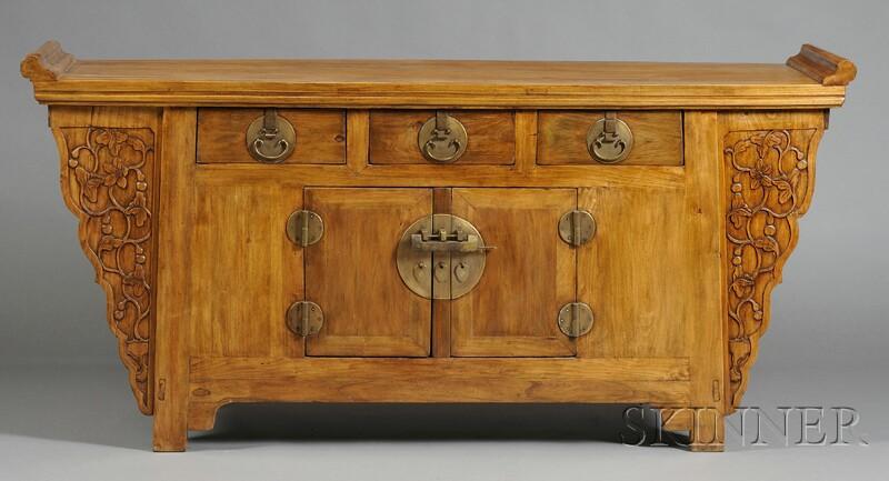 Three-drawer Coffer