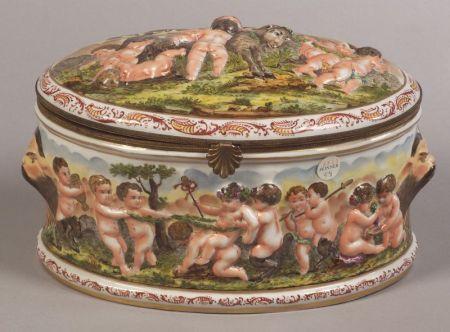 """""""Capo di Monte"""" Porcelain Casket"""