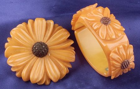 Bakelite Carved Daisy Butterscotch Clamper Bracelet and Brooch