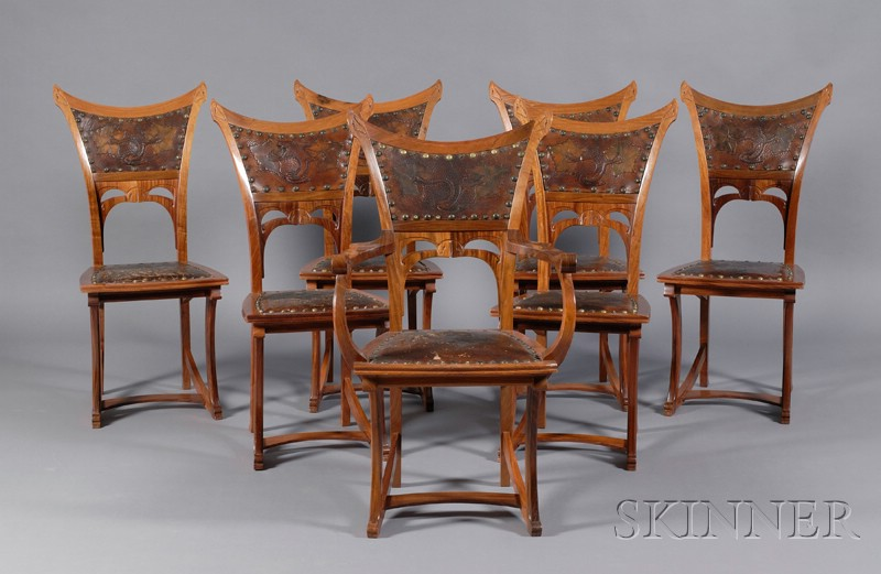 Fine Gustave Serrurier-Bovy Art Nouveau Padouk Wood Dining Table and Seven   Dining Chairs