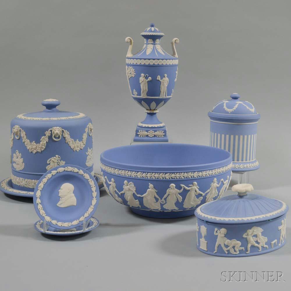 Fifteen Pieces of Modern Wedgwood Jasperware