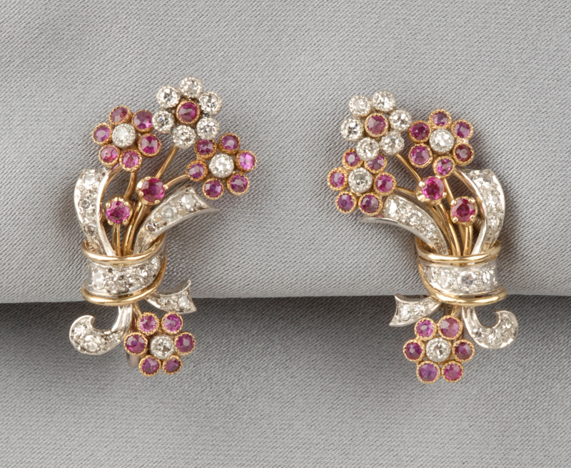 18kt Gold and Reverse-Painted Crystal Brooch
