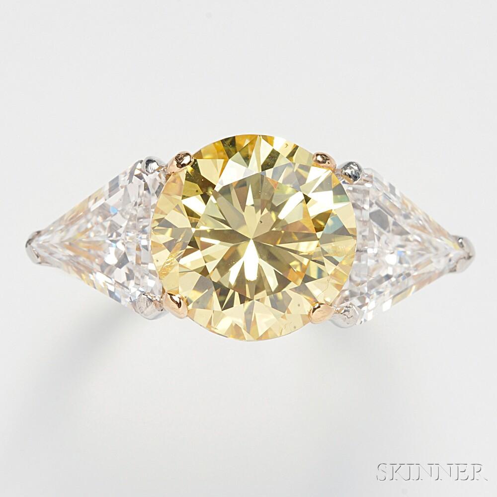 Colored Diamond Solitaire