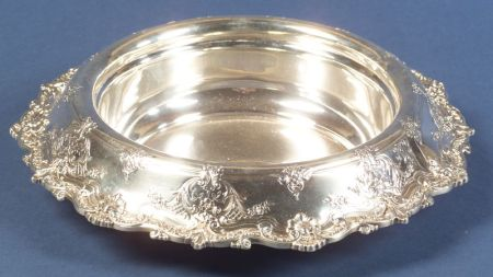 Graff, Washbourne & Dunn Sterling Centerbowl