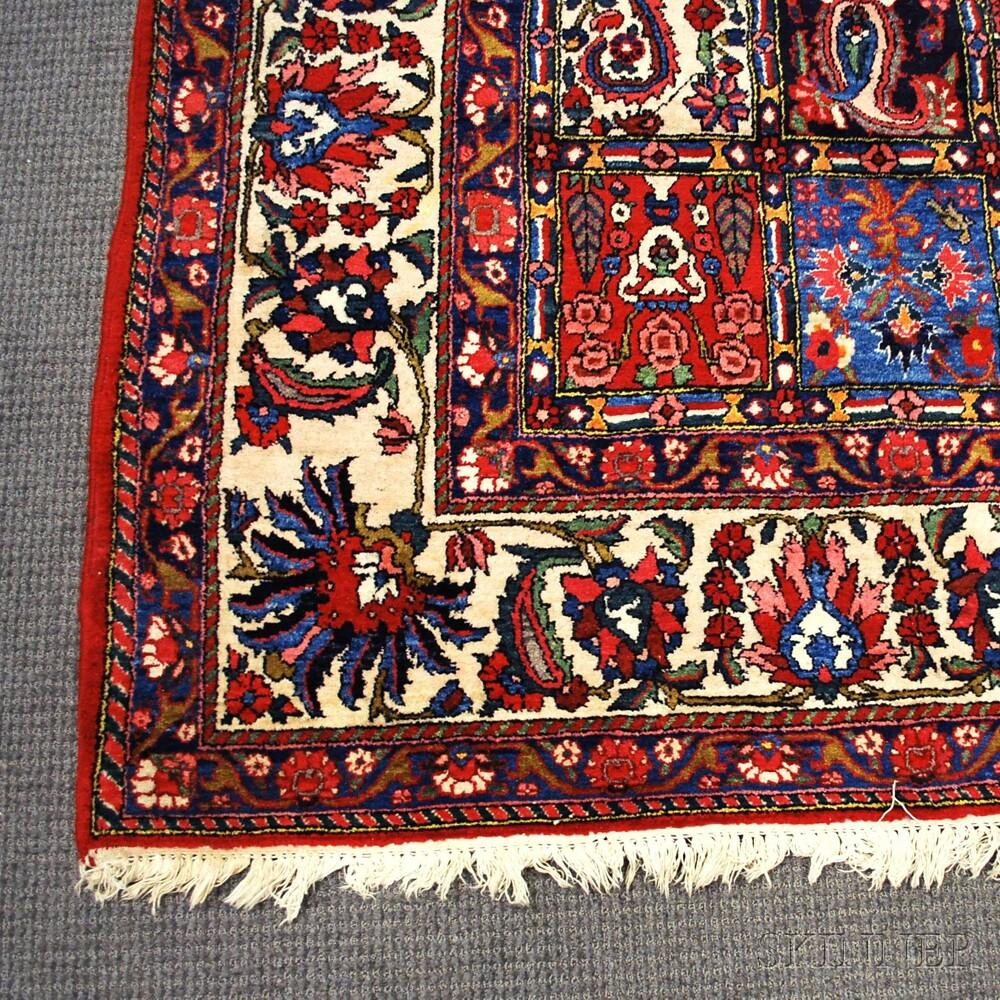 Bahktiari Carpet