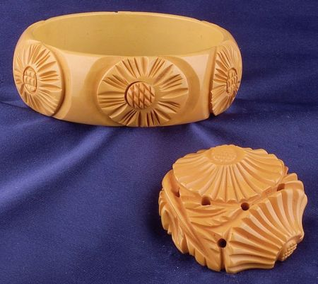Bakelite Carved Butterscotch Daisy Bangle and Brooch