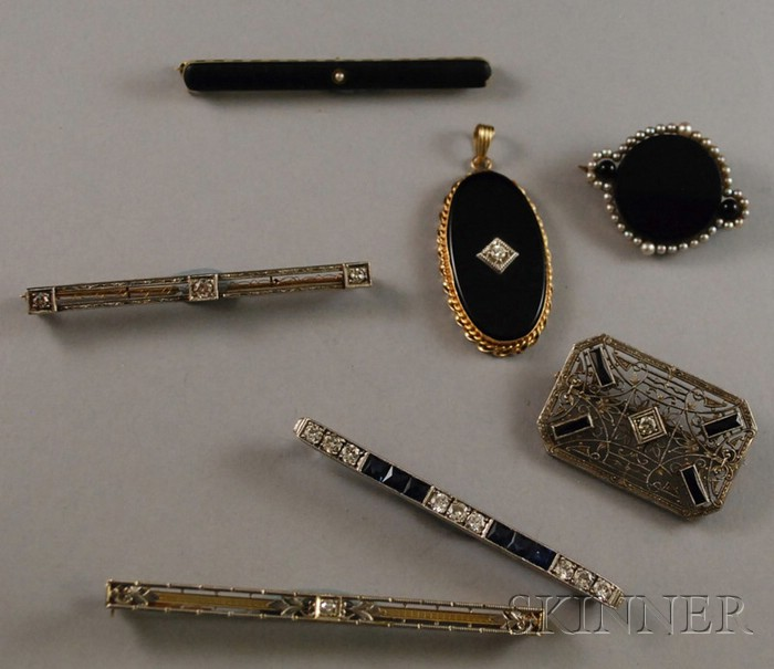 Seven Antique and Art Deco Jewelry Items