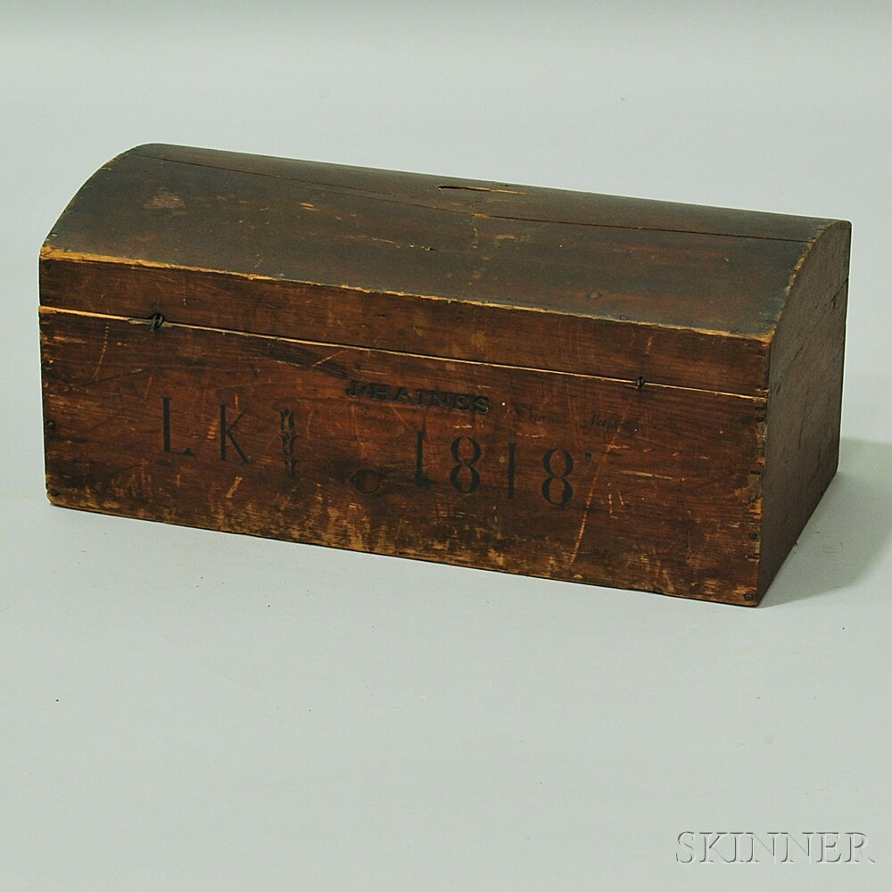 Putty-painted Dome-top Box