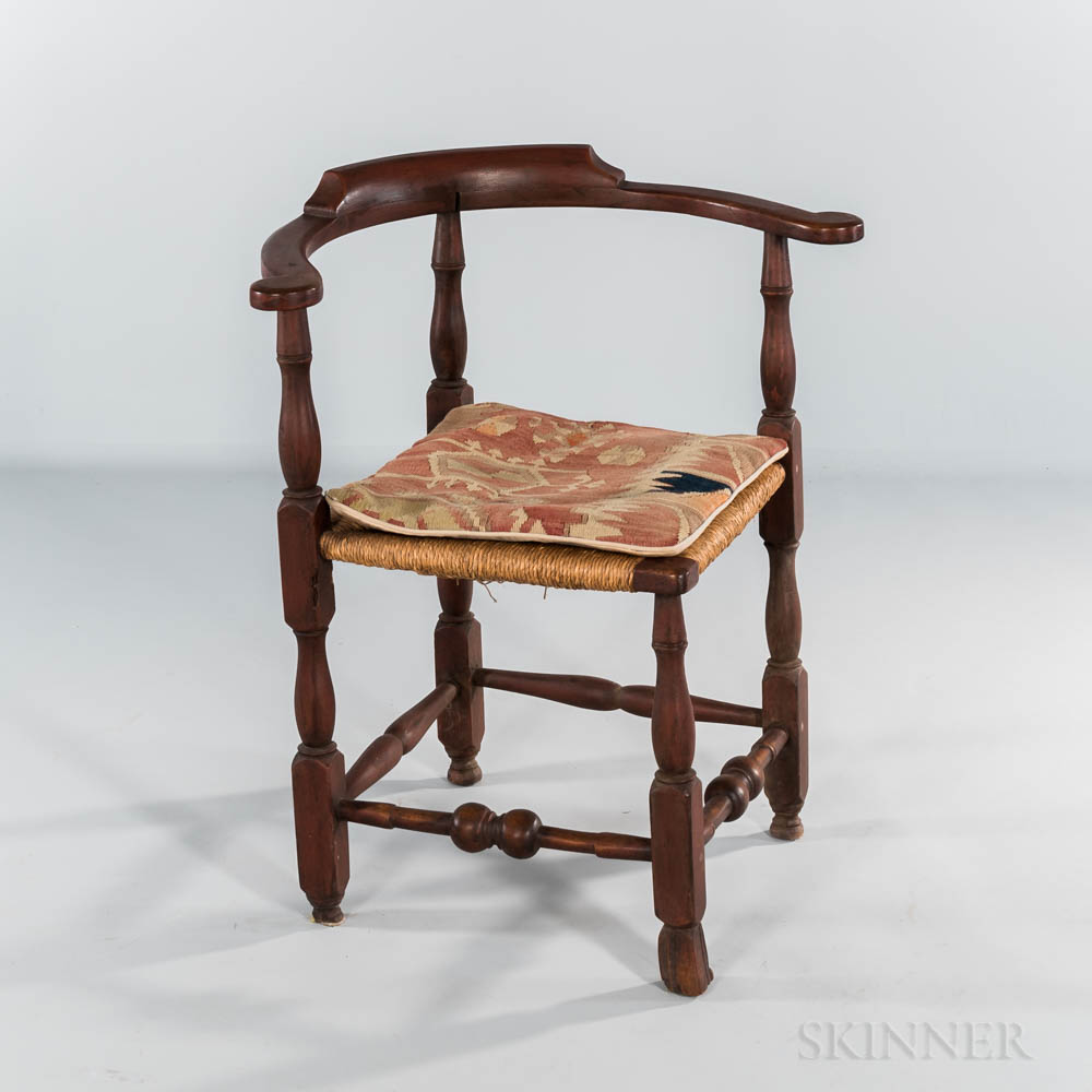 Red-painted Spanish-foot Corner Chair