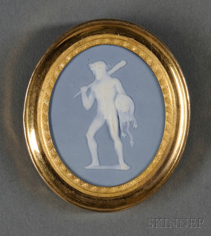 14kt Gold-mounted Wedgwood & Bentley Solid Blue Jasper Brooch