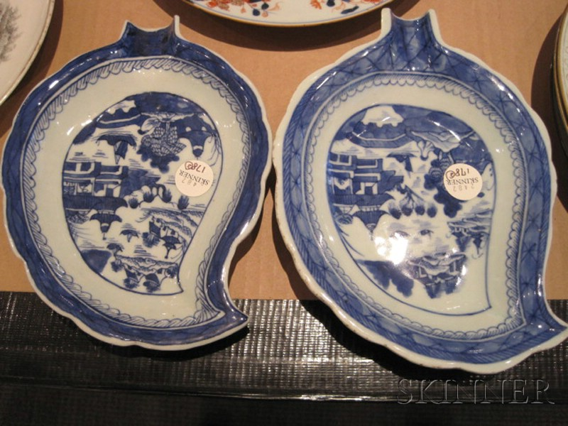 Three Chinese Export Porcelain Items