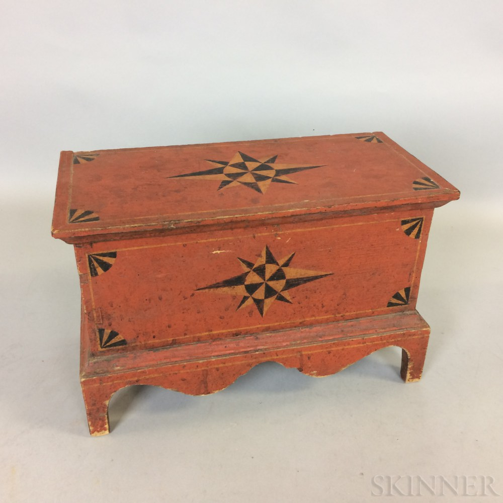 Miniature Country-style Paint-decorated Poplar Blanket Chest