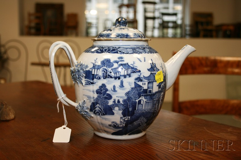 Nanking Blue and White Decorated Porcelain Teapot and Cover